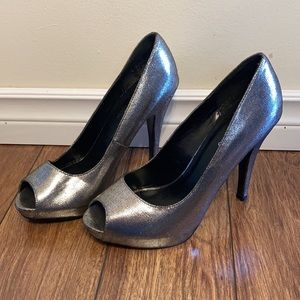 🌸 3/$20 Call It Spring shiny silver pumps